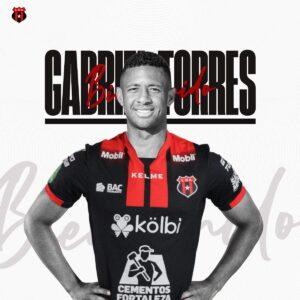 Gabriel Torres, delantero panameño.